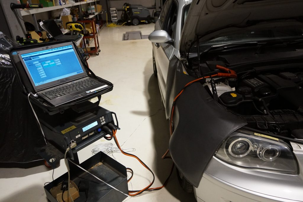 BMW E87 120 車検ABS修理