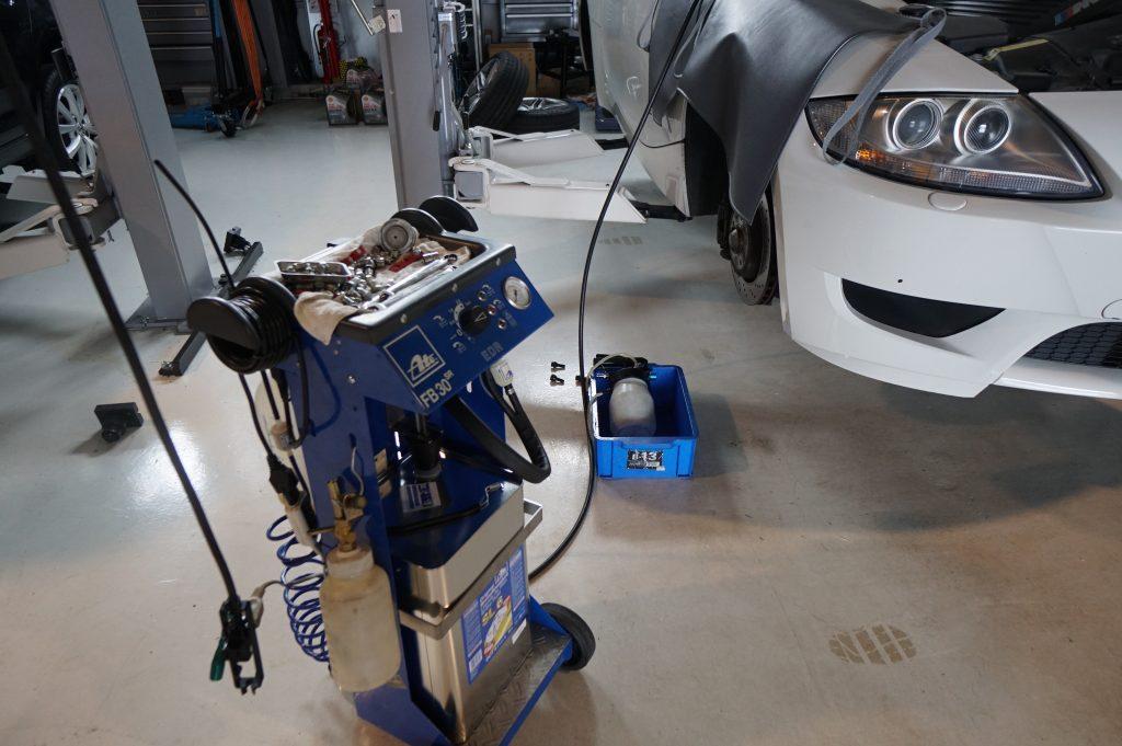 BMWブレーキオイル交換