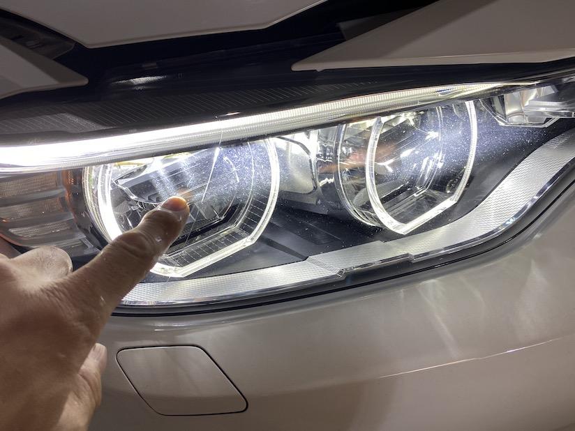 BMWヘッドライト調整