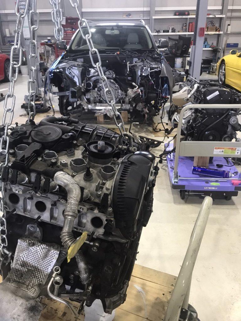 アウディA4エンジン